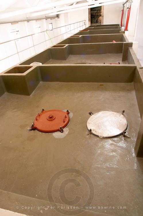 concrete vats auto-vinificators quinta do cotto douro portugal