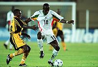 Fotball<br /> Afrikamesterskapet/African Nations Cup 2002<br /> Senegal v Zambia<br /> Foto: Digitalsport<br /> NORWAY ONLY<br /> KHALILOU FADIGA (SEN) / CHARLES LOTA (ZAM)