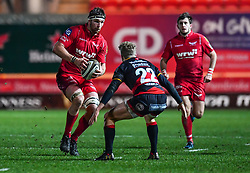 Scarlets' Steven Cummins in action during todays match<br /> <br /> Photographer Craig Thomas/Replay Images<br /> <br /> Guinness PRO14 Round 13 - Scarlets v Dragons - Friday 5th January 2018 - Parc Y Scarlets - Llanelli<br /> <br /> World Copyright © Replay Images . All rights reserved. info@replayimages.co.uk - http://replayimages.co.uk