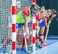 ROTTERDAM - Zaalhockey competitie hoofdklasse . KAMPONG-LAREN. vliegende keeper. COPYRIGHT KOEN SUYK