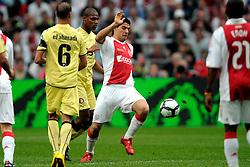 25-04-2010 VOETBAL: AJAX - FEYENOORD: AMSTERDAM<br /> De eerste wedstrijd in de bekerfinale is gewonnen door Ajax met 2-0 / Luis Suarez<br /> ©2009-WWW.FOTOHOOGENDOORN.NL