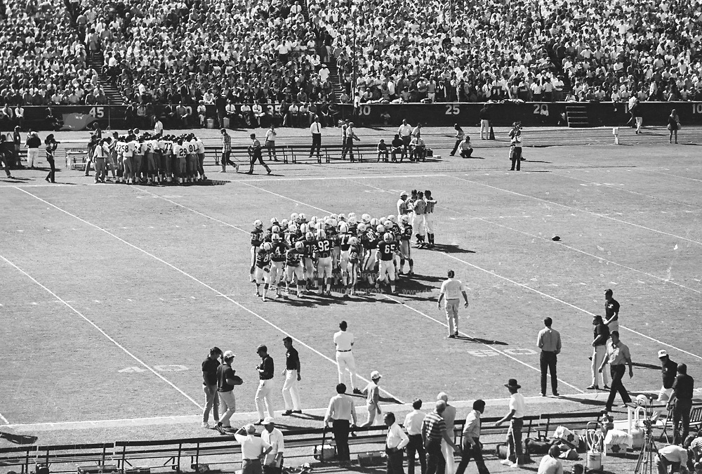 COLLEGE FOOTBALL:  Stanford vs USC (#4 ranking) on October 10, 1970 at Stanford Stadium in Palo Alto, California.  Stanford won by a final score of 24-14.  Photograph by David Madison / www.davidmadison.com.  R0067