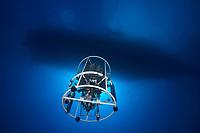 08/Abril/2017 Islas Canarias. El Hierro.<br /> El CTD, instrumento para recoger muestras y datos del fondo marino se sumerge hacia el volcán submarino Tagoro desde el buque de investigación oceanográfica del IEO Ramón Margalef.<br /> <br /> ©JOAN COSTA