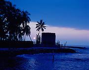 Moonset, Pu'uhonua O Honaunau, City of Refuge,  Island of Hawaii, Hawaii, USA<br />
