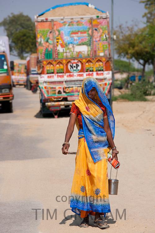 Indian woman at Rasulpura in Sawai Madhopur, Rajasthan, Northern India