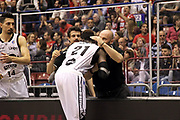 DESCRIZIONE: Milano Lega A 2014-15 <br /> EA7 Emporio Armani Granarolo Bologna<br /> GIOCATORE: Jeremy Hazell<br /> CATEGORIA: before pregame - fair play<br /> SQUADRA: Granarolo Bologna<br /> EVENTO: Play-off quarti di finale gara 2 2014-2015<br /> GARA: EA7 Emporio Armani Granarolo Bologna<br /> DATA: 20/05/2015<br /> SPORT: Pallacanestro<br /> AUTORE: Agenzia Ciamillo-Castoria/A. Ossola<br /> Galleria: Lega Basket A 2014-2015<br /> Fotonotizia: Milano Lega A 2014-15 <br /> EA7 Emporio Armani Granarolo Bologna