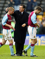 Photo: Scott Heavey.<br /> Wolverhampton Wanderers v Aston Villa. FA Barclaycard Premiership. 14/03/2004.<br /> Villa boss, David O'Leary (Centre) congratulates his players, Thomas Hitzlsperger (L) and Ronny Johnson