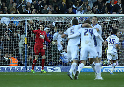 Yeovil Town's Wayne Hennessey moans at his defence  as Leeds celebrate the second goal-Photo mandatory by-line: Matt Bunn/JMP - Tel: Mobile: 07966 386802 02/11/2013 - SPORT - FOOTBALL - Elland Road - Leeds - Leeds United v Yeovil Town - Sky Bet Championship