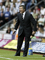 Fotball<br /> England 2004/05<br /> Southampton v Newcastle<br /> Graeme Souness (Newcastle manager) sees his team win 2-1<br /> Photo Sean Ryan / Fotosports International<br /> NORWAY ONLY