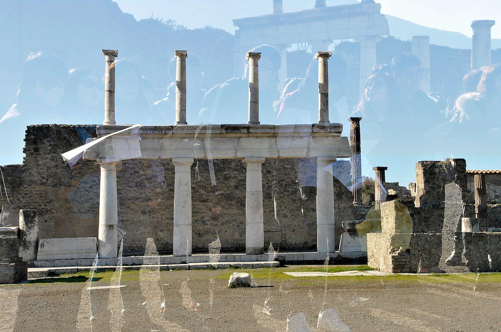Pompei e Peastum come luogi di studio per gli studenti della facoltà di arhitettura e dell'accademia di Belle Arti di Napoli. _ English: Pompei and Paestum as study place for students of architecture and Fine Art School of Naples