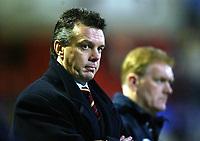 Photo. Aidan Ellis.<br />Bolton Wanderers v Aston Villa.<br />Carling Cup Semi Final 1st Leg.<br />21/01/2004<br />Villa's David O'Leary watches in disbelief as his team lose 5-2 at Bolton