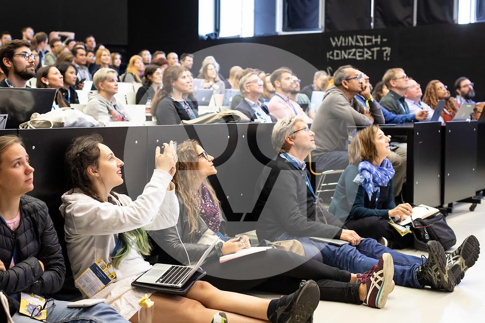 DEUTSCHLAND - HAMBURG - Global Investigative Journalism Conference GIJC19, hier die Veranstaltung 'Disinformation & Propaganda' in der HafenCity University - 28. September 2019 © Raphael Hünerfauth - https://www.huenerfauth.ch