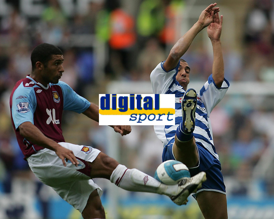 Photo: Lee Earle.<br /> Reading v West Ham United. The FA Barclays Premiership. 01/09/2007.west Ham's hayden Mullins clashes with James Harper.