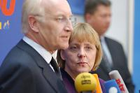 17 JAN 2002, BERLIN/GERMANY:<br /> Edmund Stoiber, CSU, Ministerpraesident Bayern und CDU/CSU Spitzenkandidat, und Angela Merkel, CDU Bundesvorsitzende, waehrend einem Pressestatement zu einer vorangegangenen Besprechung ueber die Organisation des Bundestagswahlkampfes, CDU Bundesgeschaeftsstelle<br /> IMAGE: 20020117-01-019<br /> KEYWORDS: Ministerpräsident, Mikrofon, microphone, Pressekonferenz