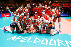 20180529 NED: Volleyball Nations League Netherlands - Poland, Apeldoorn<br />Netherlands celebrate their 3-0 win over Poland <br />©2018-FotoHoogendoorn.nl