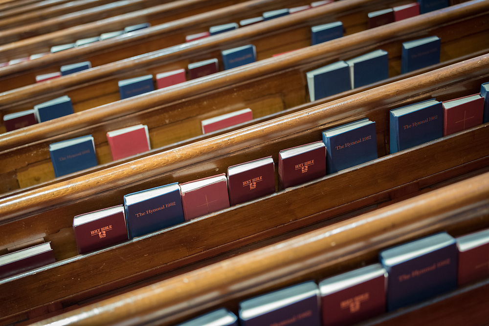 24 November 2019, Geneva, Switzerland: Bibles lined up in the pews in preparation for Sunday service at the Emmanuel Epicopal Church, Geneva.