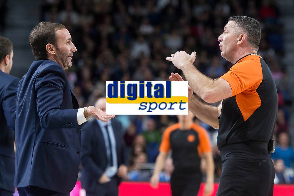FC Barcelona Lassa coach Sito Alonso talking with the referee during Turkish Airlines Euroleague match between Real Madrid and FC Barcelona Lassa at Wizink Center in Madrid, Spain. December 14, 2017. (ALTERPHOTOS/Borja B.Hojas)