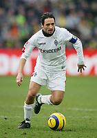 Fotball<br /> Bundesliga Tyskland 2004/2005<br /> Foto: Witters/Digitalsport<br /> NORWAY ONLY<br /> <br /> Oliver NEUVILLE<br /> Fussballspieler Borussia Mönchengladbach