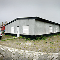 Nederland, Amsterdam , 30 april 2014.<br /> Het gebouwtje aan coenhavenweg nr 26 waar coffeshop the Bulldog een soort van drive-inn coffeshop wil vestigen.<br /> Foto:Jean-Pierre Jans