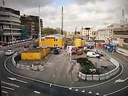 Bouwplaats voor de Catherijnebak in Utrecht. De voormalige autoweg wordt weer gevuld met water.<br /> <br /> Construction area at the center of Utrecht.