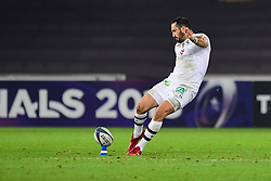 Clermont Auvergne's Scott Spedding kicks a penalty - Mandatory by-line: Craig Thomas/JMP - 15/10/2017 - RUGBY - Liberty Stadium - Swansea, Wales - Ospreys Rugby v Clermont Auvergne - European Rugby Champions Cup