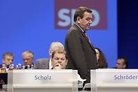 18 NOV 2003, BOCHUM/GERMANY:<br /> Olaf Scholz, SPD Generalsekretaer, und  Gerhard Schroeder, SPD, Bundeskanzler, SPD Bundesparteitag, Ruhr-Congress-Zentrum<br /> IMAGE: 20031118-01-069<br /> KEYWORDS: Parteitag, party congress, SPD-Bundesparteitag, Gerhard Schröder