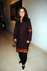 KOO STARK at the Off The Wall photographic exhibition and auction at The Avenue, St.James's Street, London on 20th September 2007.<br /><br />NON EXCLUSIVE - WORLD RIGHTS