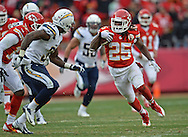 KANSAS CITY, MO - NOVEMBER 24:  Running back Jamaal Charles #25 of the Kansas City Chiefs rushes up field against the San Diego Chargers during the second half on November 24, 2013 at Arrowhead Stadium in Kansas City, Missouri.  San Diego won 41-38. (Photo by Peter Aiken/Getty Images) *** Local Caption *** Jamaal Charles