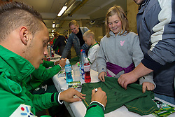 24.07.2011, Weser Stadion, Bremen, GER, 1.FBL, Werder Bremen Tag der Fans 2011, im Bild  Marko Arnautovic (Bremen #7) bei der Autogrammstunde  // during the day of fans on 2011/07/24, Weserstadion, Bremen, Germany    EXPA Pictures © 2011, PhotoCredit: EXPA/ nph/  Kokenge       ****** out of GER / CRO  / BEL ******