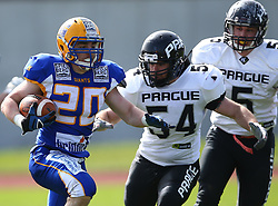 02.04.2016, Eggenberg Stadion, Graz, AUT, AFL, Projekt Spielberg Graz Giants vs Prague Black Panthers, im Bild Matthias Kiegerl (Projekt Spielberg Graz Giants, RB, #20), Petr Bartek (Prague Panthers, LB, #54) und Jan Simanek (Prague Panthers, DL, #5) // during the Austrian Football League game between Projekt Spielberg Graz Giants vs Prague Black Panthers at the Eggenberg Stadium, Graz, Austria on 2016/04/02. EXPA Pictures © 2016, PhotoCredit: EXPA/ Thomas Haumer