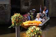 Koninginnedag 2007 in 's Hertogenbosch / Queensday 2007 in the city of 's Hertogenbosch<br /> <br /> Op de foto / On the Photo; Prinses Laurentien en Prins Constantijn ,<br /> <br /> Prinses Aimee en Prins Floris ,<br /> <br /> Prinses Annette en Prins Bernhard ,<br /> <br /> Prinses Mabel en Prins Friso ,<br /> <br /> Prof.mr. Pieter van Vollenhoven en  Prinses Margriet ,<br /> <br /> Prins Willem Alexander <br /> <br /> Prinses Anita en Prins Pieter Christiaan