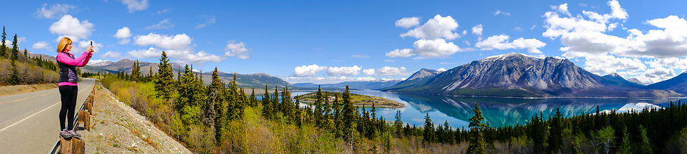 Making a panoramic view of Windy Arm and Bove Island on a Yukon Spring Day