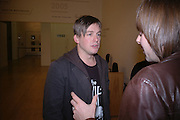 STUART SHAVE, Private view for the Turner prize  2005.  Tate. Britain. 17 October 2005. ONE TIME USE ONLY - DO NOT ARCHIVE © Copyright Photograph by Dafydd Jones 66 Stockwell Park Rd. London SW9 0DA Tel 020 7733 0108 www.dafjones.com
