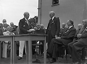 16/07/1952<br /> 07/16/1952<br /> 16 July 1952<br /> Eamon De Valera speaking at opening  day of International Bowling, Clontarf Golf Club Bowling Green, Dublin. Standing on the left is William Jardine, President of the Scottish Bowling Association.