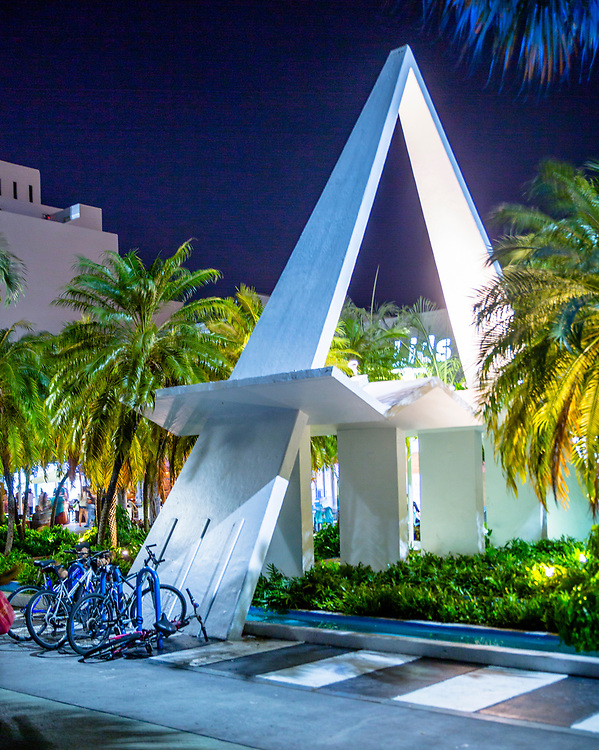 """A purely decorative structure, or """"folly,"""" designed by Miami Modern (MiMo) master architect Morris Lapidus on Miami Beach's Lincoln Road."""