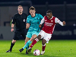 LONDON, ENGLAND - Friday, October 30, 2020: Liverpool's Tom Clayton (L) and Arsenal's Tim Akinola during the Premier League 2 Division 1 match between Arsenal FC Under-23's and Liverpool FC Under-23's at Meadow Park. Liverpool won 1-0. (Pic by David Rawcliffe/Propaganda)