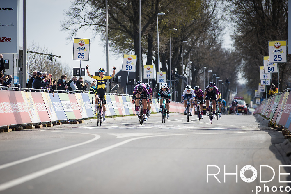 Marianne Vos (NED/Jumbo-Visma) wins her first Amstel Gold Race <br /> <br /> 7th Amstel Gold Race Ladies Edition <br /> Valkenburg > Valkenburg 116km<br /> <br /> ©RhodePhoto