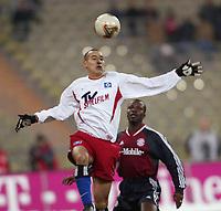 v.l. Naohiro TAKAHARA, Samuel KUFFOUR Bayern<br />FC Bayern München - Hamburger SV<br />Foto: Digitalsport