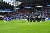 Football - 2018 / 2019 Premier League - Cardiff City vs. Leicester City<br /> <br /> iThe teams line up for a minute's silence in memory of Vichai Srivaddhanaprabha n Leicster's 1st match since the death of Vichai Srivaddhanaprabha, at Cardiff City Stadium.<br /> <br /> COLORSPORT/WINSTON BYNORTH