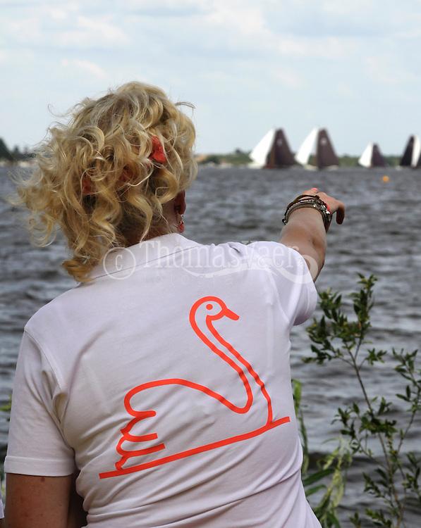 SKS-dag aan de boorden van de Langwarder Wielen van de sponsors van het Langwarder Skûtsje, de 'Freon fan de Swan'.