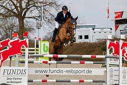 08.1, Youngster-Springprfg. Kl. M* 6+7j. Pferde, Ehlersdorf, Reitanlage Jörg Naeve, 29.04. - 02.05.2021,, Thomas Kleis (GER), Leopold 326,