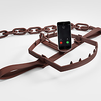Mobile device distractions are a trap for the unwary. Don't lose your focus!