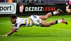Ollie Lawrence of Worcester Warriors scores his sides second try<br /> <br /> Photographer Simon King/Replay Images<br /> <br /> European Rugby Challenge Cup Round 5 - Ospreys v Worcester Warriors - Saturday 12th January 2019 - Liberty Stadium - Swansea<br /> <br /> World Copyright © Replay Images . All rights reserved. info@replayimages.co.uk - http://replayimages.co.uk