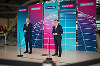 DEU, Deutschland, Germany, Berlin, 18.05.2021: Ralph Brinkhaus, Vorsitzender der CDU/CSU-Bundestagsfraktion, und Dr. Johann Wadephul, stellvertretender Vorsitzender der CDU/CSU-Bundestagsfraktion, bei einem Pressestatement im Deutschen Bundestag.