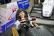 Op de TU Delft probeert Aniek Rooderkerken, een van de twee rijdsters van het team, de VeloX 4 in de Dreamhall. In september wil het Human Power Team Delft en Amsterdam, dat bestaat uit studenten van de TU Delft en de VU Amsterdam, tijdens de World Human Powered Speed Challenge in Nevada een poging doen het wereldrecord snelfietsen voor vrouwen te verbreken met de VeloX 7, een gestroomlijnde ligfiets. Het record is met 121,44 km/h sinds 2009 in handen van de Francaise Barbara Buatois. De Canadees Todd Reichert is de snelste man met 144,17 km/h sinds 2016.<br /> <br /> With the VeloX 7, a special recumbent bike, the Human Power Team Delft and Amsterdam, consisting of students of the TU Delft and the VU Amsterdam, also wants to set a new woman's world record cycling in September at the World Human Powered Speed Challenge in Nevada. The current speed record is 121,44 km/h, set in 2009 by Barbara Buatois. The fastest man is Todd Reichert with 144,17 km/h.