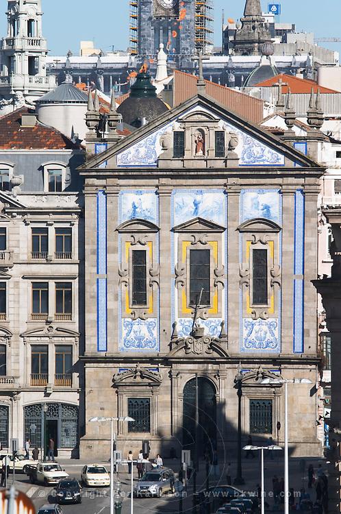 azulejos igreja dos congregados church praca almeida garrett porto portugal