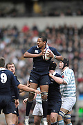 Twickenham. GREAT BRITAIN, James Jones collects the line out ball, during the 2006 Varsity Rugby Match at Twickenham Stadium, England 12.12.2006. [Photo, Peter Spurrier/Intersport-images] Sponsor, Lehman Brothers,