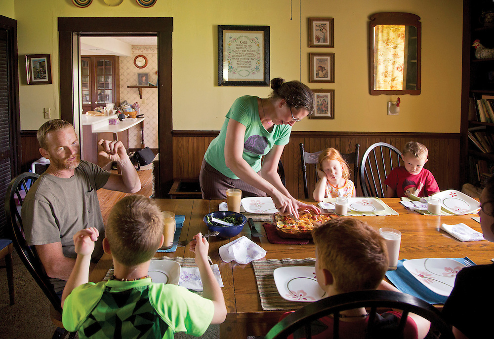 Family lunch at Laurel Valley Creamery near Galipolis. (Will Shilling/CRAVE)