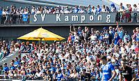 UTRECHT - supporters op clubhuis Kampong,    tijdens   de finale van de play-offs om de landtitel tussen de heren van Kampong en Amsterdam (3-1). Kampong kampioen van Nederland. COPYRIGHT  KOEN SUYK