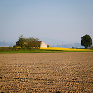 Campi agricoli nella pianura dell'oltrepò Pavese. Agricultural fields in the plain Oltrepò Pavese.